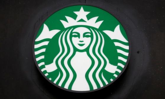 Alsea, operadora de Starbucks y Domino's, sale de la ANTAD