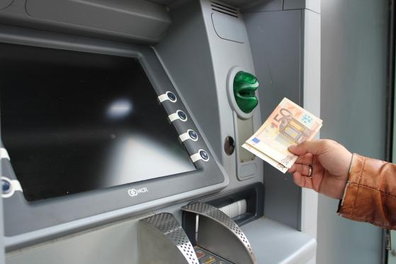 Eurozona dice inflación sube 0.4% en agosto, avanza 3% anual